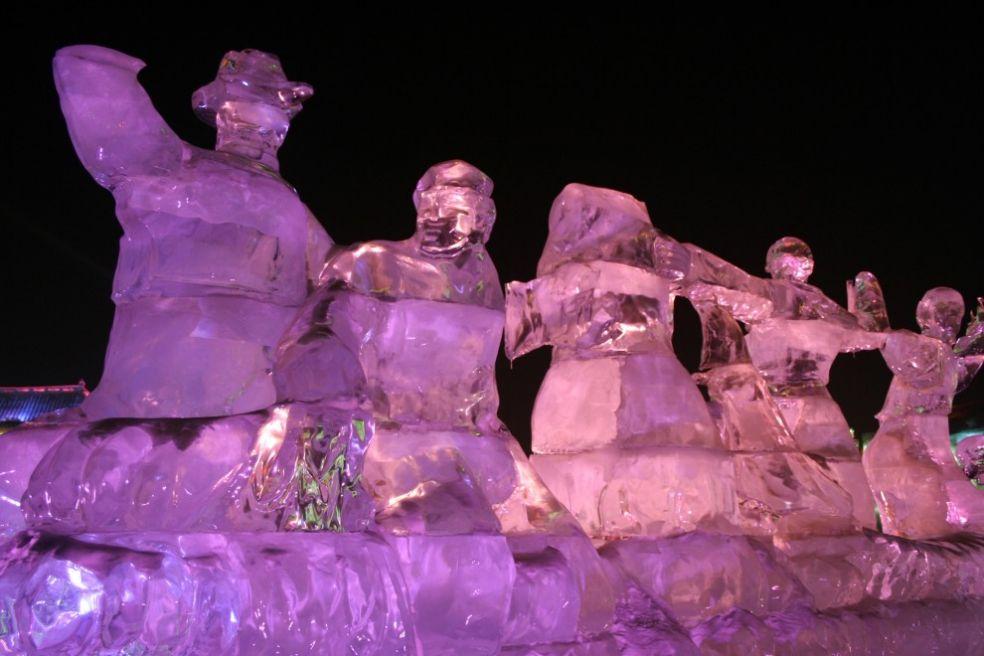 Фестиваль ледовых фигур в Харбине