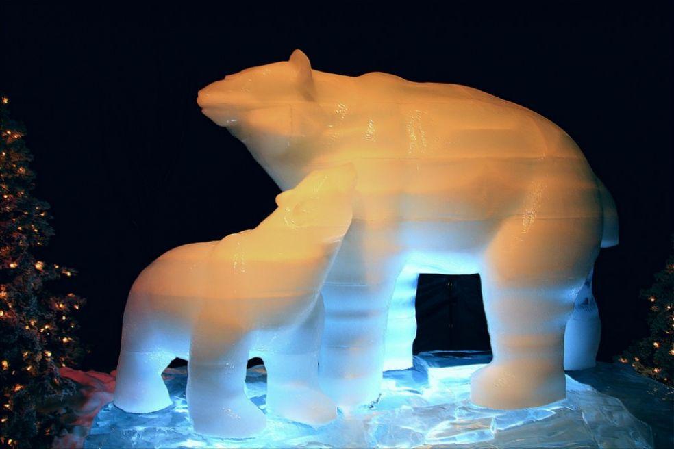 Фестиваль ледяных фигур в Москве