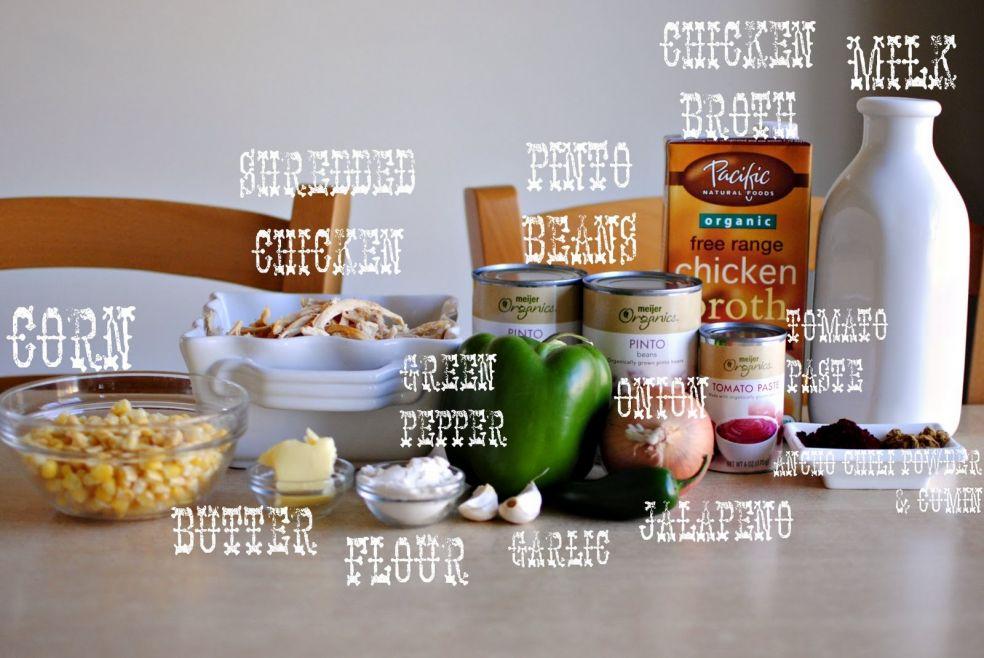 Молоко, куриный бульон, пятнистая фасоль, мясо цыпленка, кукуруза, масло, мука, зеленый перец, чеснок, лук, халапеньо, томатная паста, чили перец анчо и тмин