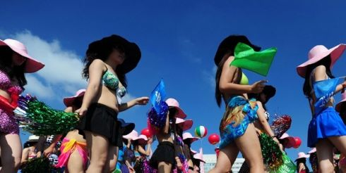 Китайский бикини-парад попал в Книгу Рекордов Гиннеса