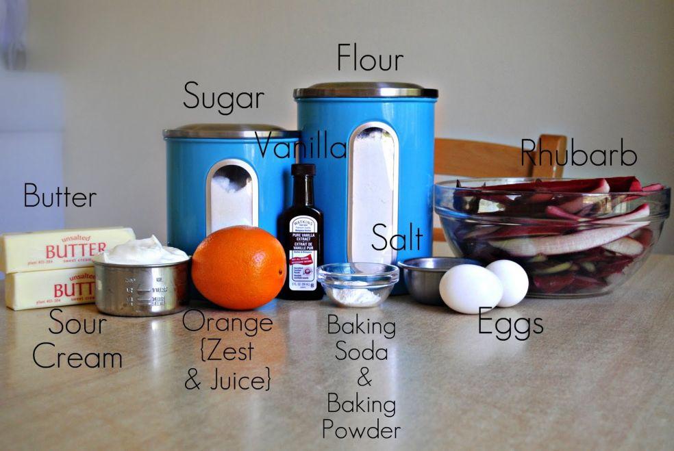 Мука, сахар, ваниль, ревень, сливочное масло, соль, сметана, сок и цедра апельсина, пекарский порошок и пищевая сода, яйца