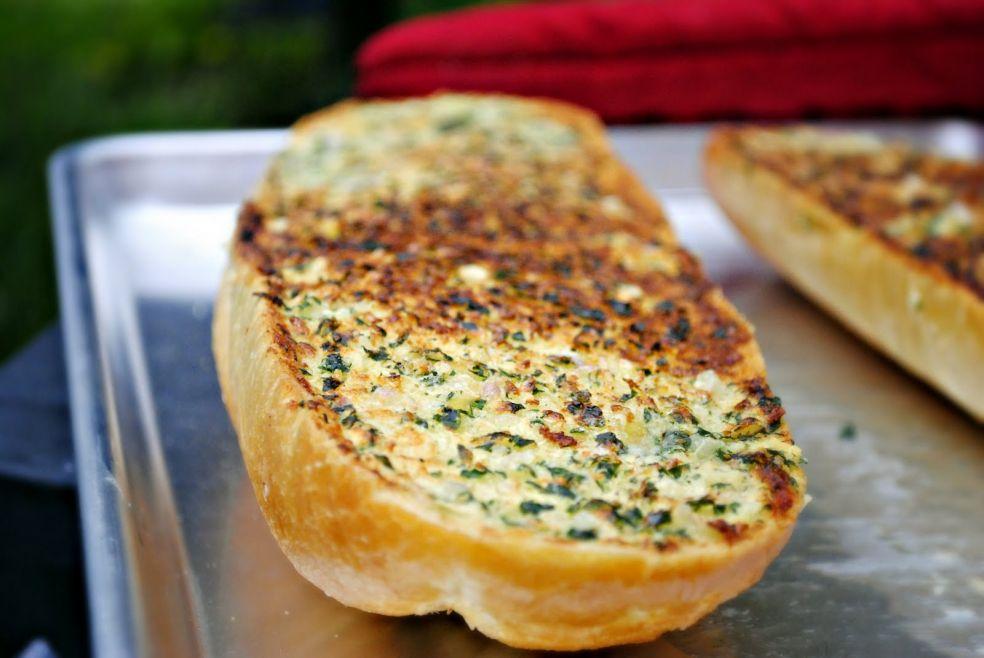 Чесночно-сырные гренки фото-рецепт