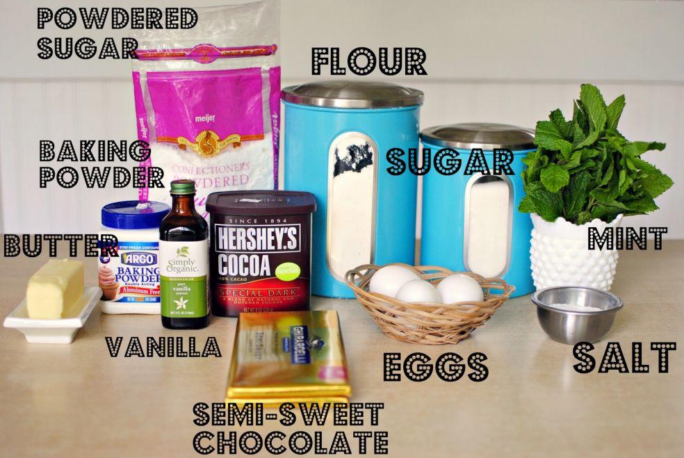 Сахарная пудра, мука, пекарский порошок, сахар, сливочное масло, экстракт ванили, мята, яйца, соль, полусладкий шоколад, какао